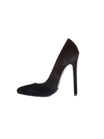 Black 5 Heel Pump